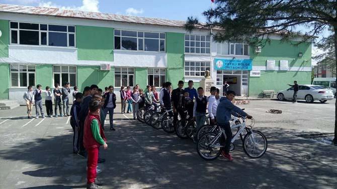 Kulp'ta 'Bisiklet kullanmasını bilmeyen kalmasın' projesi