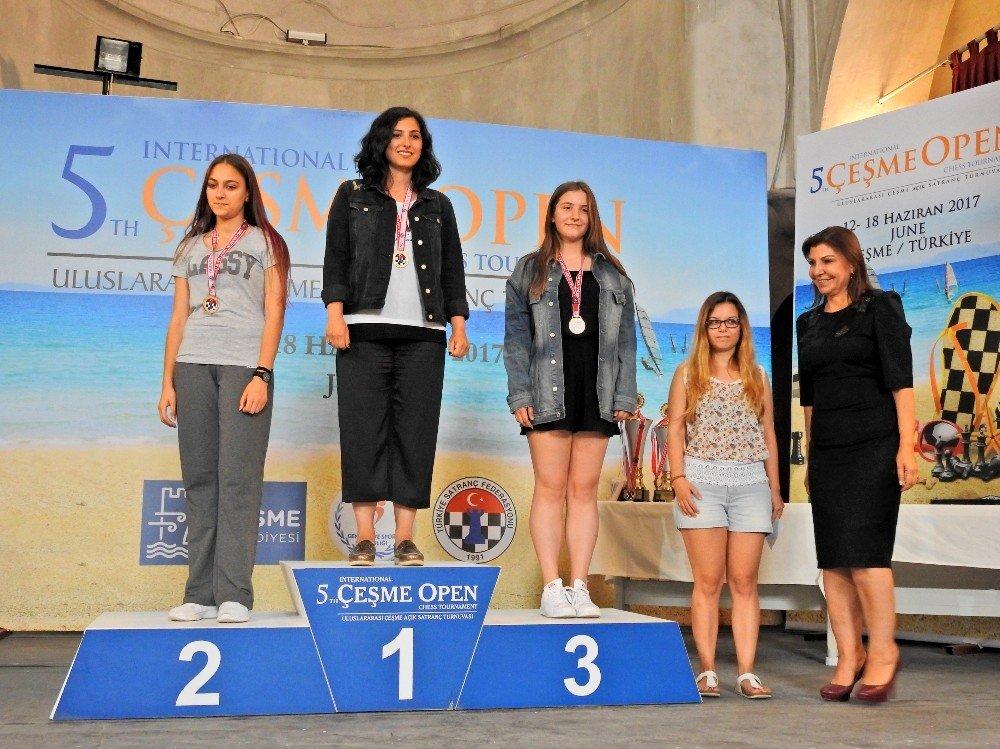 Çeşme Open Satranç Turnuvasında ödüller sahiplerini buldu