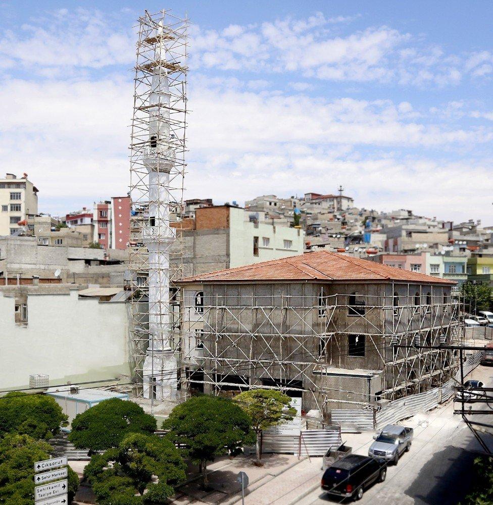 Başkan Fadıloğlu umut cami ve sosyal tesisi inşaatını inceledi