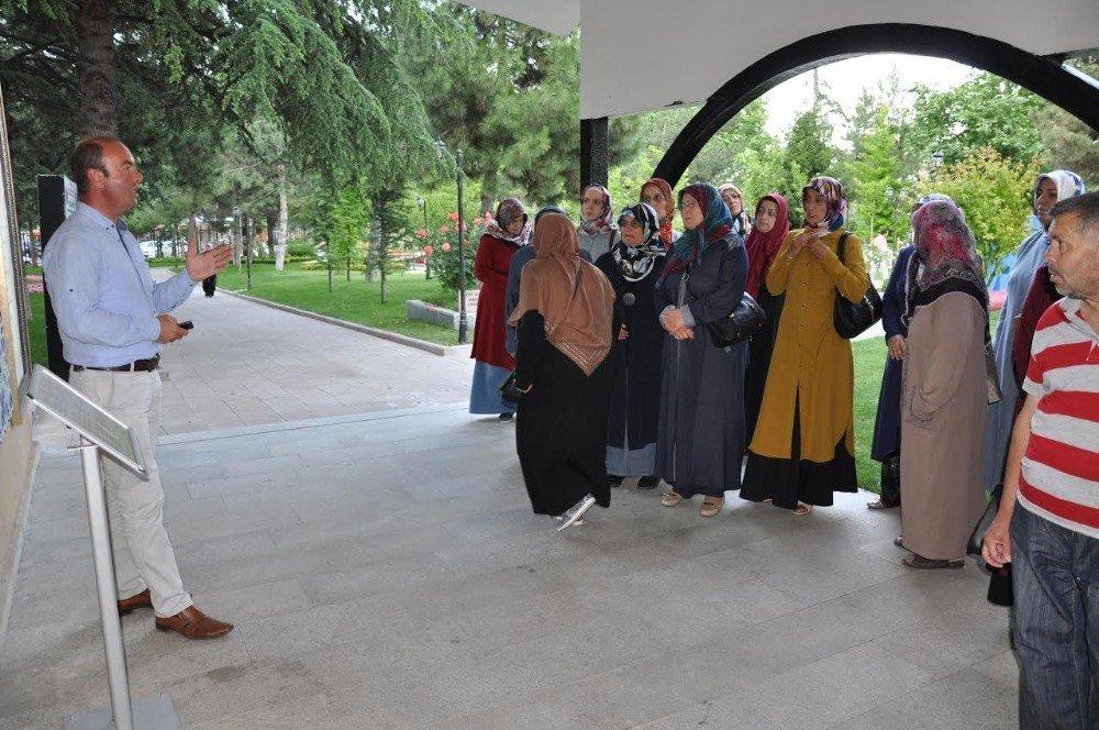 Tarih Şeridi ve Şeyh Edebali Türbesi misafirlerini ağırlamaya devam ediyor