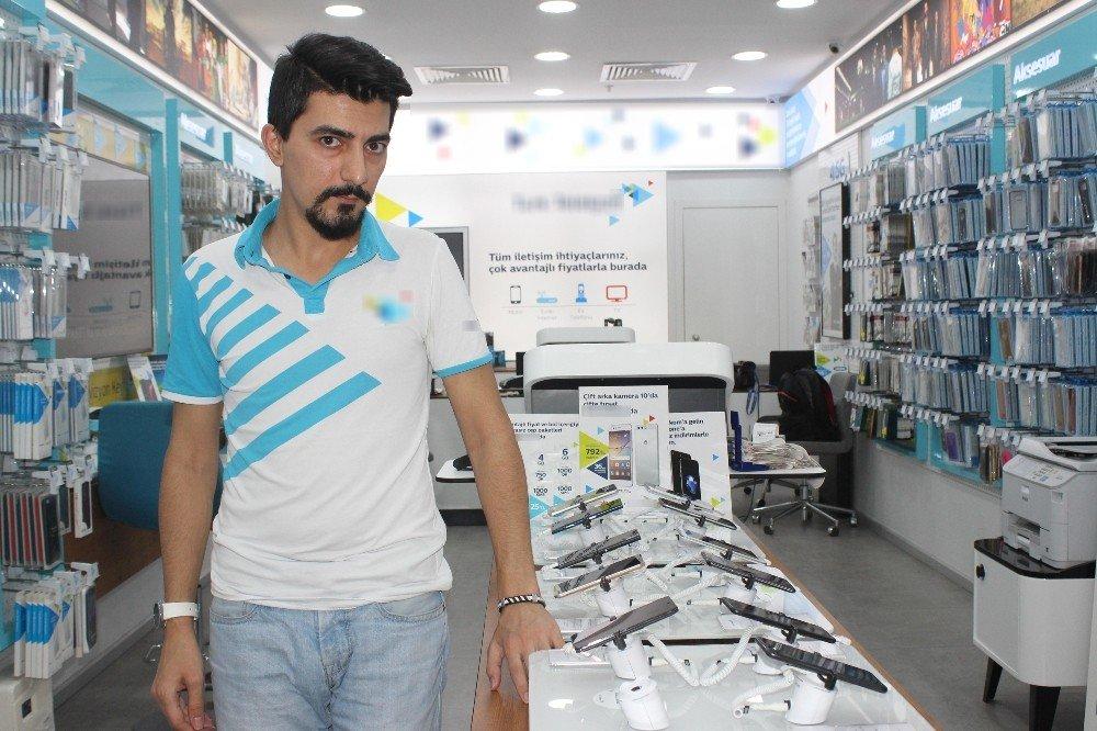 Denizli'de telefon hırsızlığı kamerada
