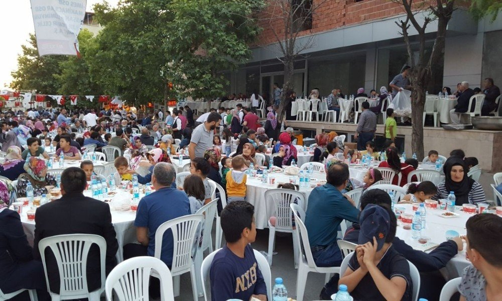 Dilovası'nda 2 bin 500 kişilik iftar