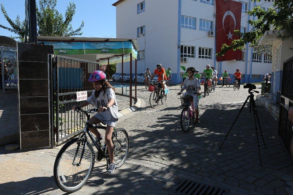 Efeler'de en baba bisiklet turu düzenlendi