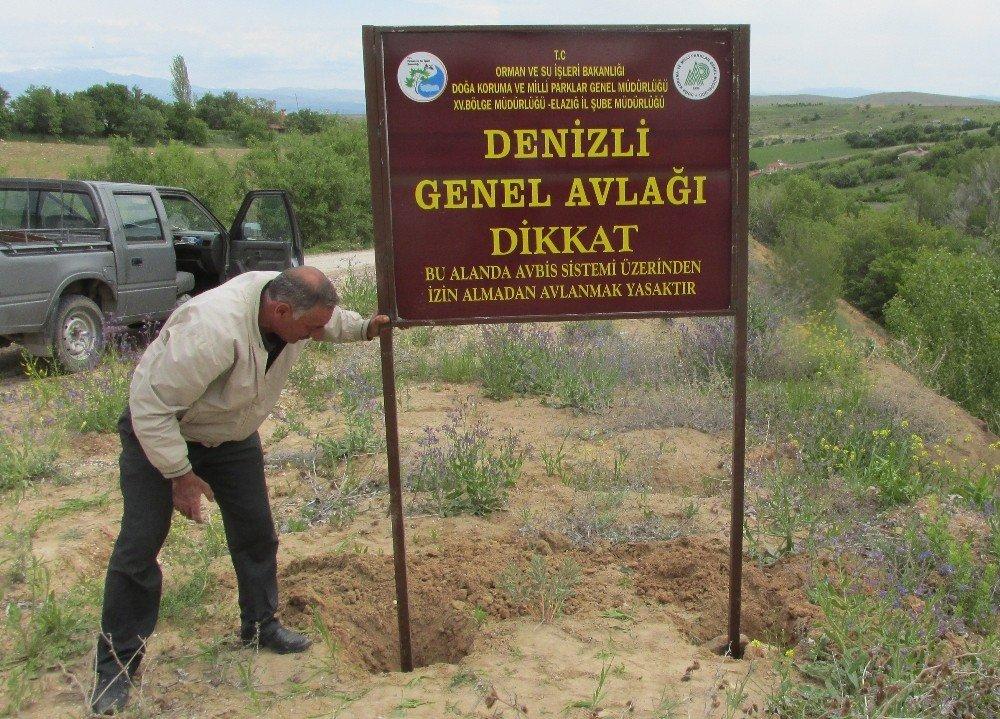 Elazığ'da avlak alanlara ikaz tabelası