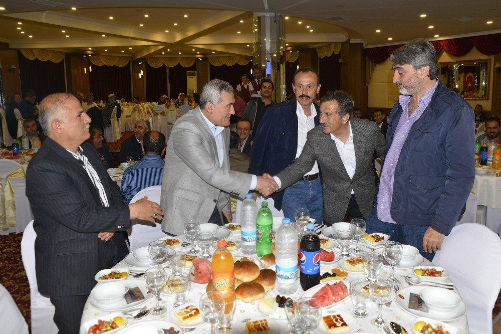 Başkan Ataç, iftar programlarına katılmaya devam ediyor