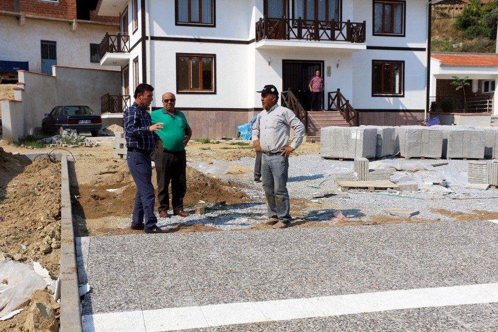 Germencik Belediyesi 7 Eylül Mahallesinde asfaltlama çalışmalarına başladı