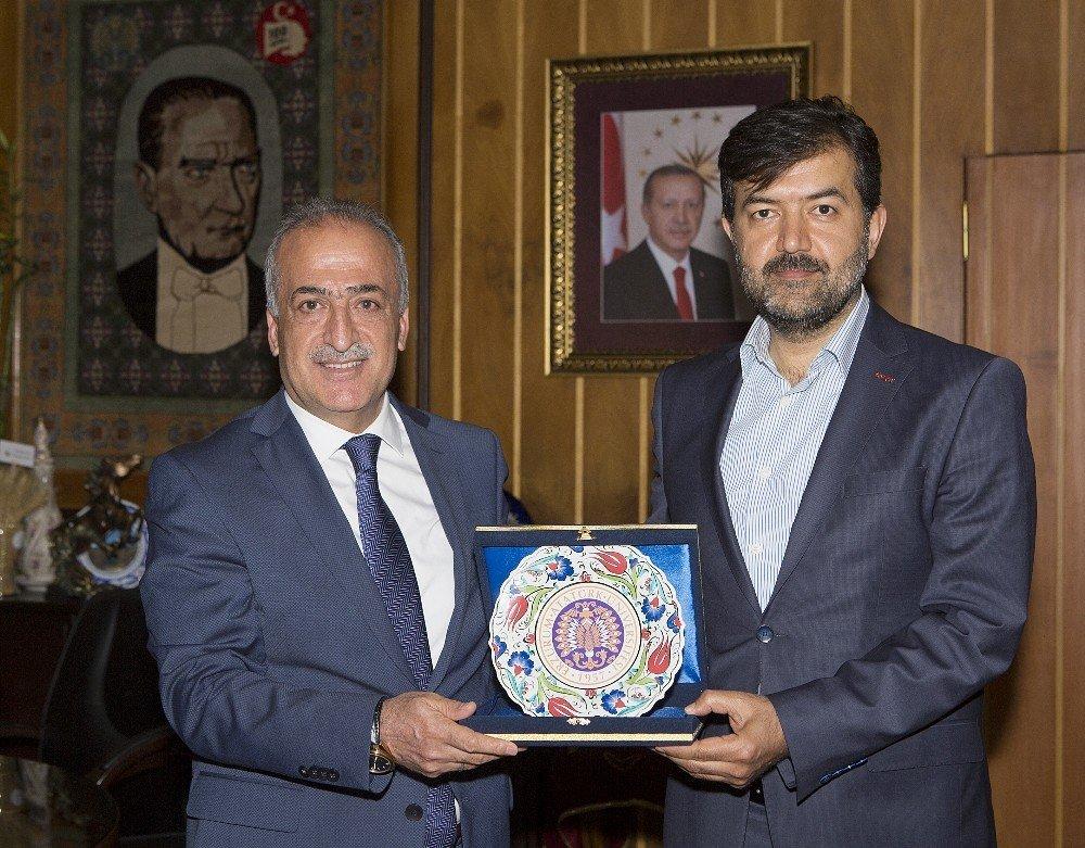 ÖNDER Başkanı Halit Bekiroğlu, Rektör Çomaklı'yı ziyaret etti
