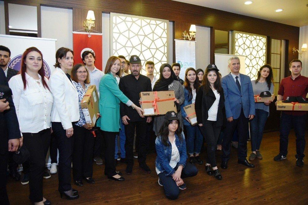 Başkan Doğan şehit çocuklarına hediyeler verdi