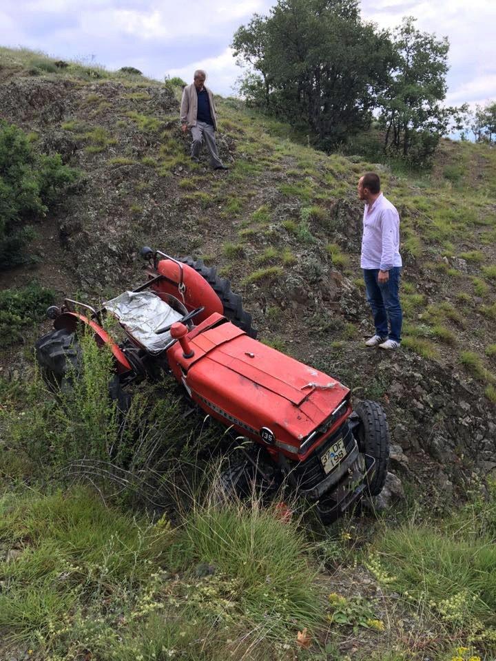Kastamonu'da traktör uçuruma yuvarlandı:1 yaralı