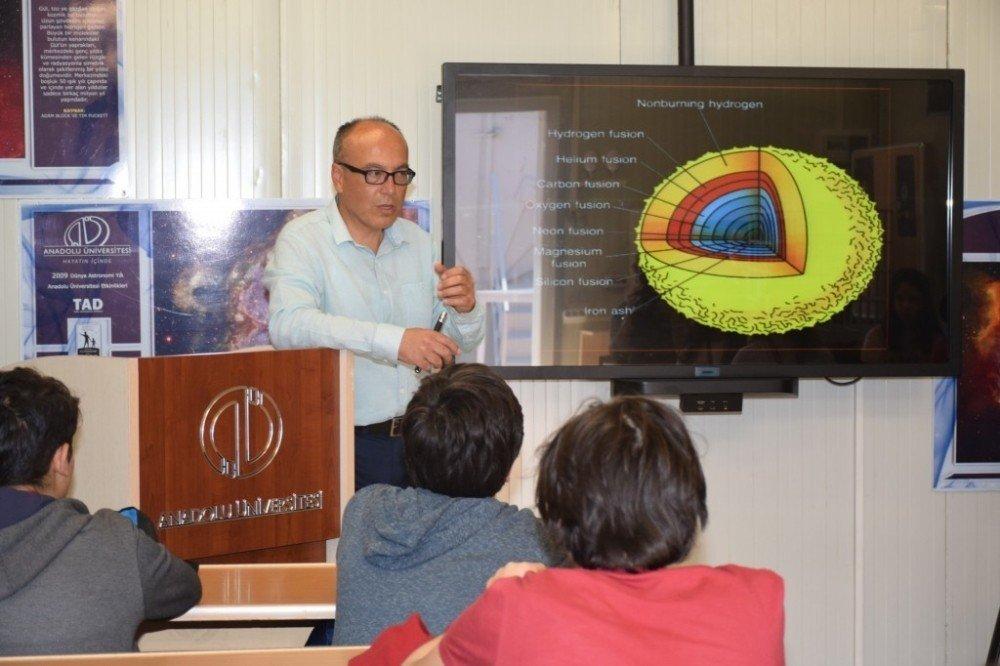 Öğrencilere gezegen araştırması eğitimi verildi