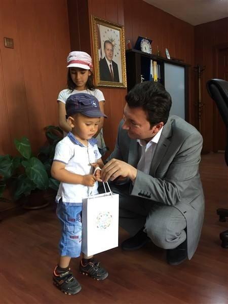 Ramazan ayına özel çocuk paketi dağıtımları devam ediyor