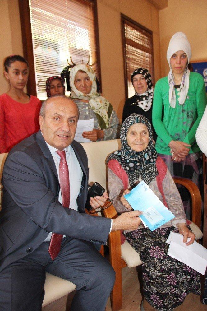 Taşköprü Belediyesi'nden bin 100 kişiye gıda yardımı