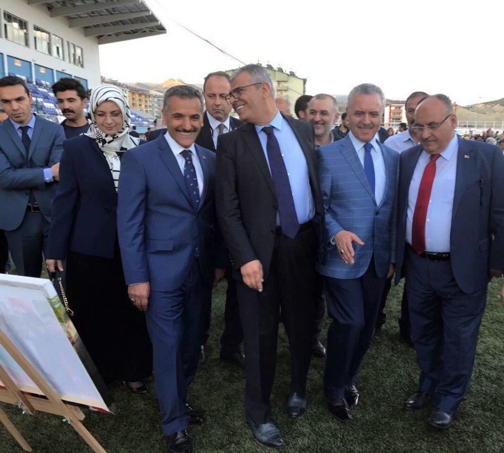 Ümraniye Belediyesi Tunceli'de Gönül Sofraları Kurdu
