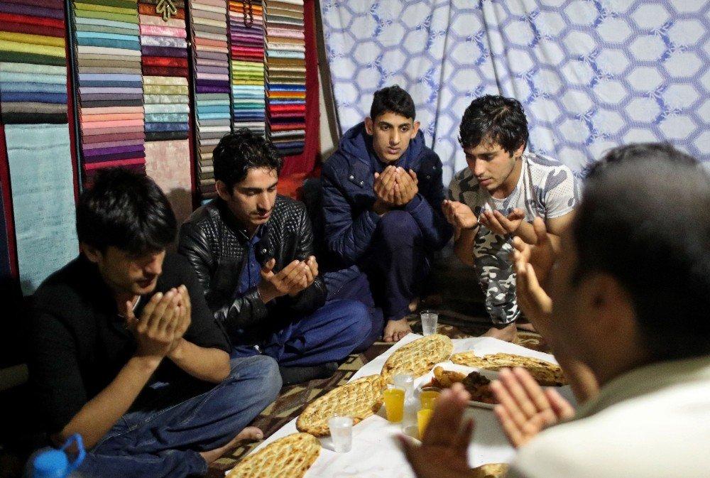 BM'den Dünya Mülteciler Günü'nde yerlerinden edilen insanlara destek çağrısı