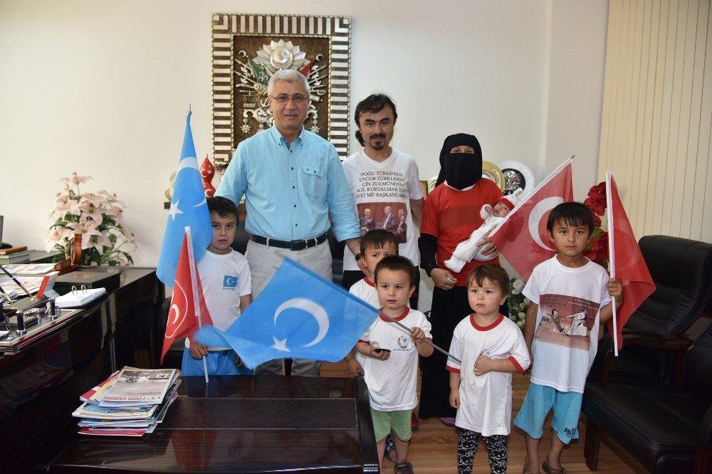 Türkistanlı Turan'dan Kula'ya ziyaret
