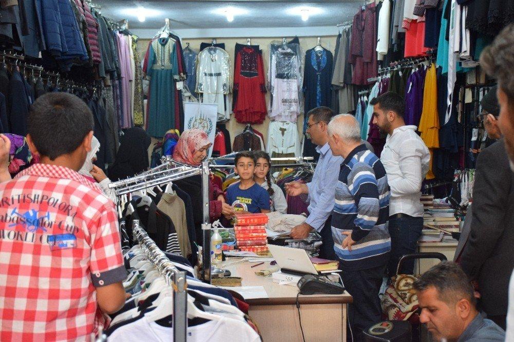 Adilcevaz'da iftar ve yetim giydirme programı