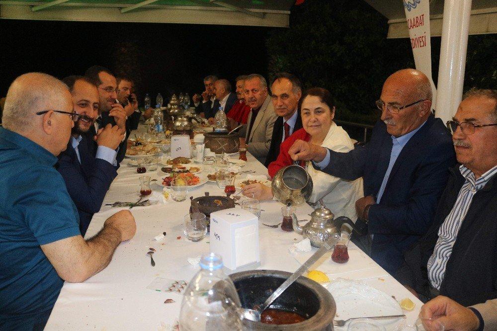 Başkan Türkmen belediye personeli ile iftar sofrasında buluştu