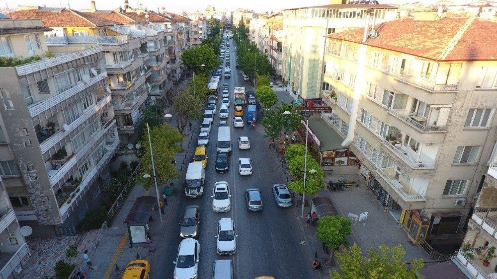 Atatürk bulvarı ile Kemal Köker caddesi tek yönlü oluyor