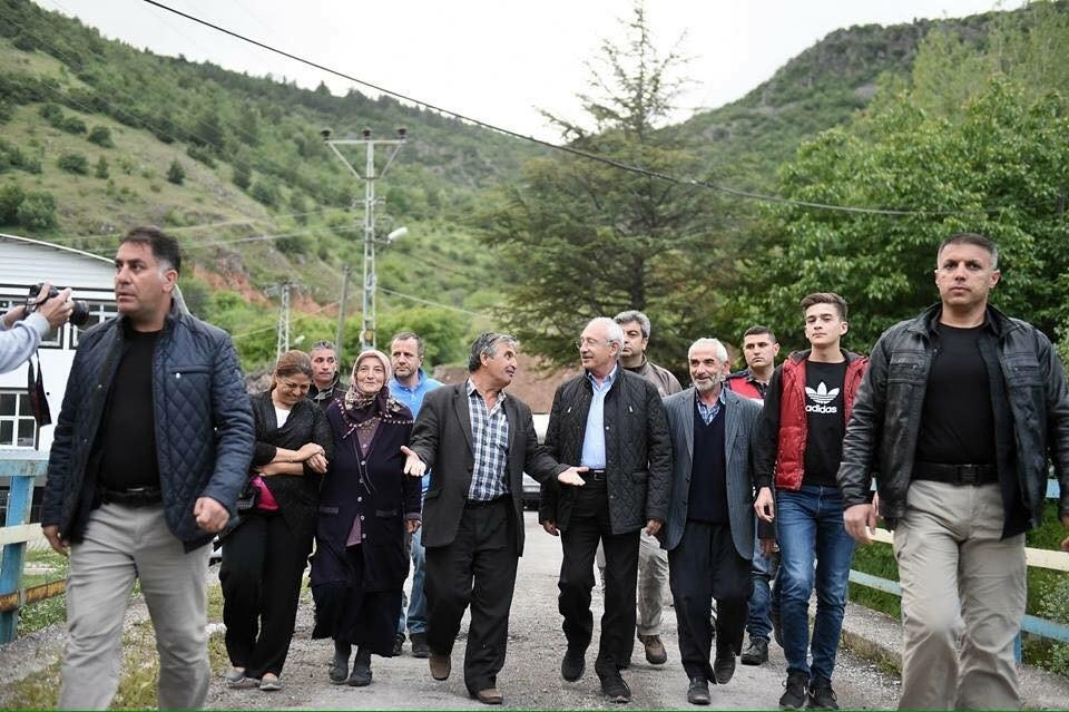CHP Genel Başkanı Kılıçdaroğlu, iftar sofrasına konuk oldu