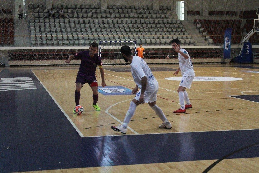 Futsal finalleri Yalova'da başladı