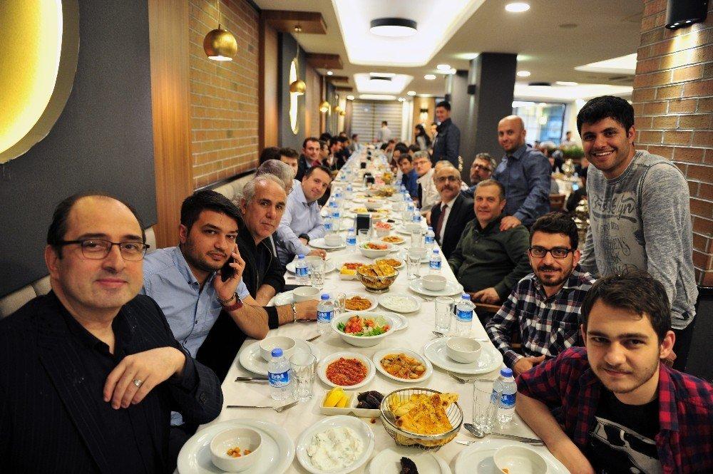 İhlas Medya Ankara Grubu çalışanları iftarda buluştu