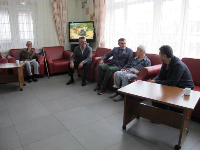 Barçın'dan Babalar Gününde anlamlı ziyaret