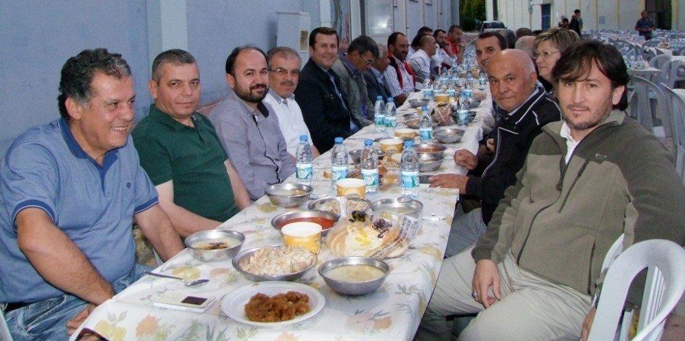 Gökce'den Muhtarlar ve Personele iftar yemeği