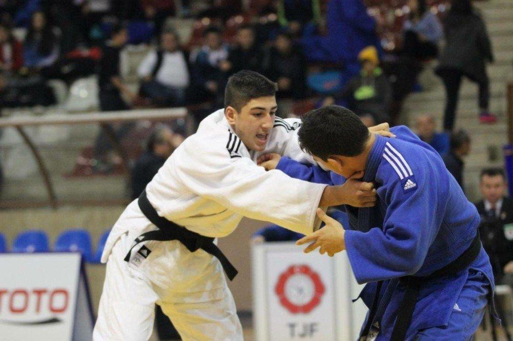 Yeşil-beyazlı judoculara milli davet