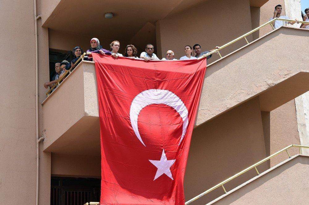 Şehit Uzman Çavuş Ramazan Bahşiş'in naaşı Tarsus'a getirildi
