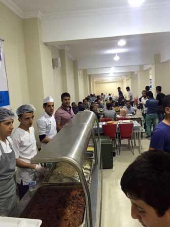 Şırnaklıların iftar yemeği Büyükşehir'den