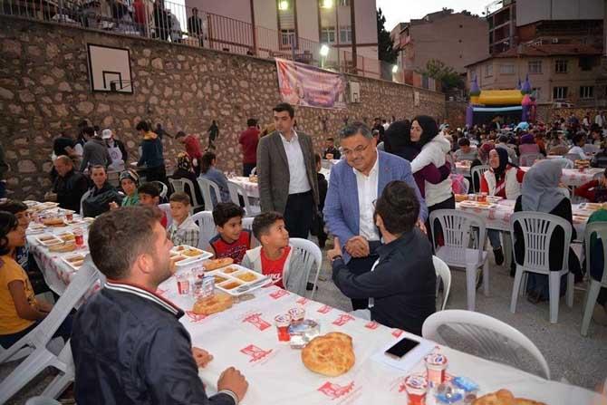 Başkan Yağcı iftar programlarına katıldı