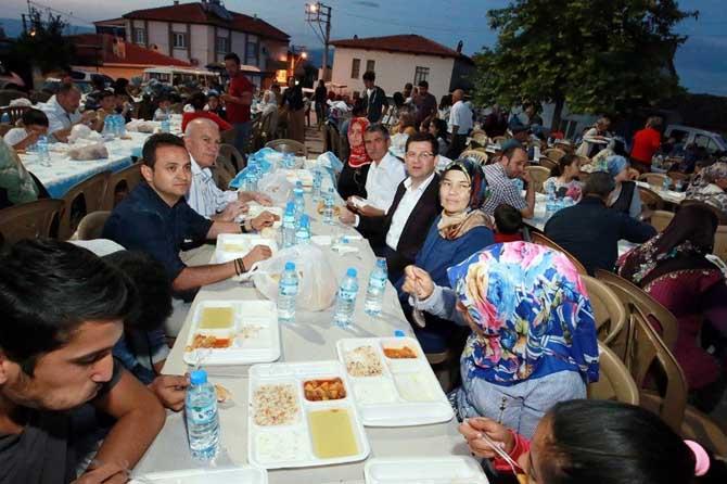 Şemikler Mahallesi'nde imece usulü iftar