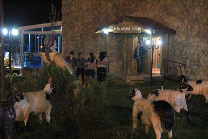 Hakkari Evi Ramazan gecelerine renk kattı
