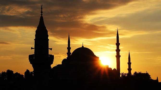 İstanbul'da gün batımında mest eden görüntüler