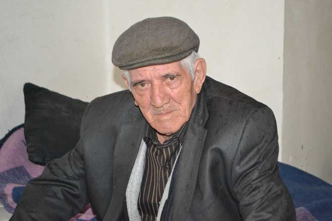 80 yaşındaki Ömer Dalgıç suyu olmayan bir dükkanda yaşamaya çalışıyor