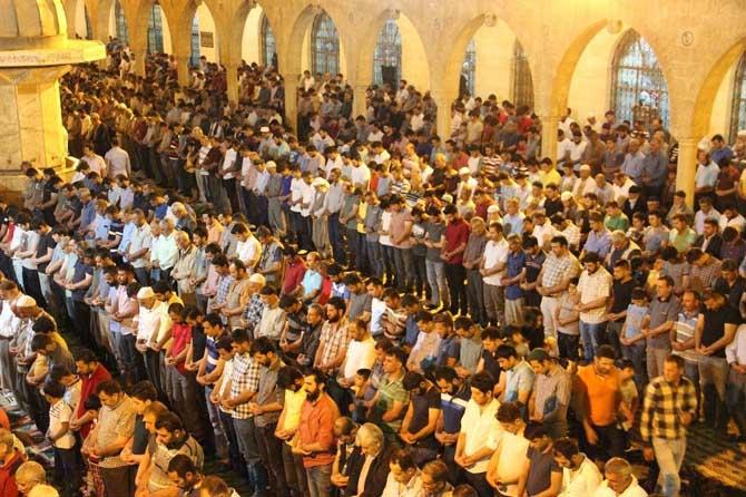 'Peygamberler Şehri'nde Kadir Gecesi yoğunluğu