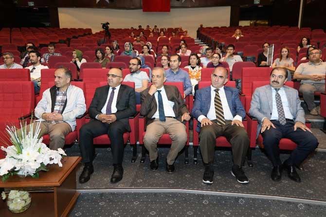 """""""Dünyada Bilime Yön Veren 100 Türk Bilim Adamı"""" Arasına Giren ERÜ Bilim Adamları Başarılarını Anlattı"""