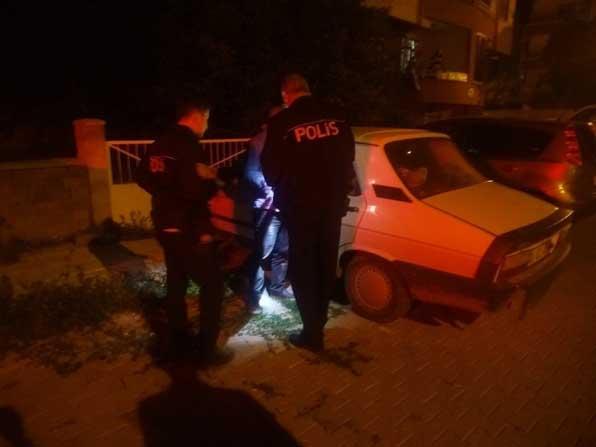 Aşırı alkolden otomobilinde uyudu polise 'park halindeyim suç işlemedim' dedi