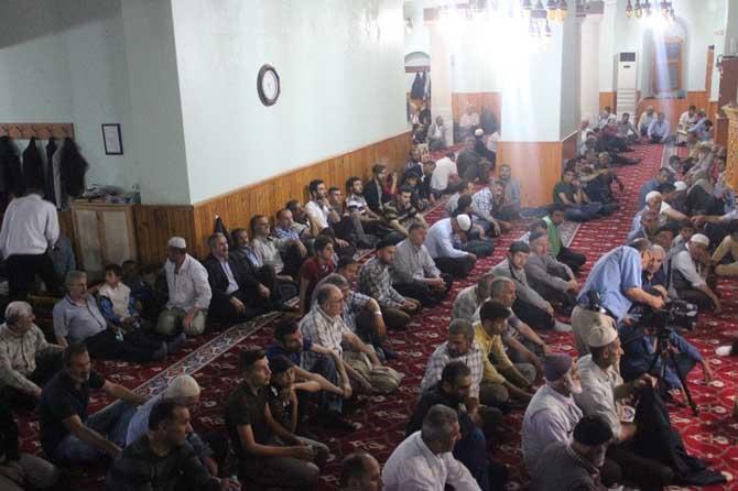 Muş'ta camiler doldu taştı