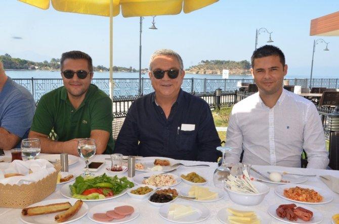 Başkan Kayalı, Kuşadası Gençlikspor ile kahvaltıda buluştu