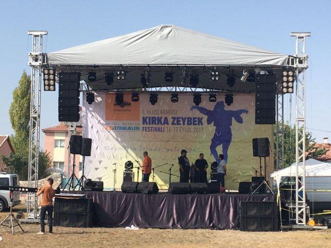 Seyitgazi'de 'Uluslararsı Zeybek Festivali' hazırlıkları tamamlandı