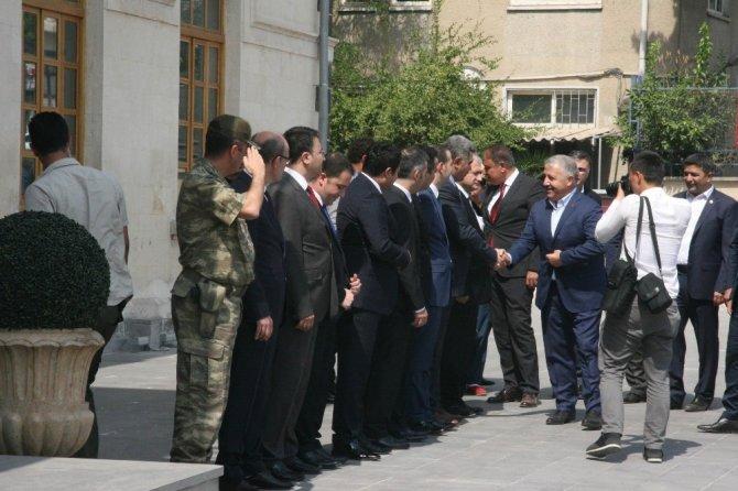 Bakan Arslan Kilis'te ziyaretlerde bulundu