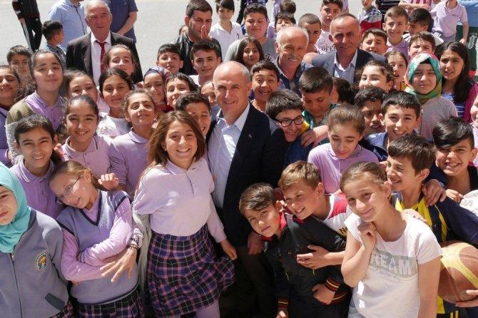 """Başkan  Akgün: """"Atatürk'ün yolundan, bilimin ışığından ayrılmayın"""""""