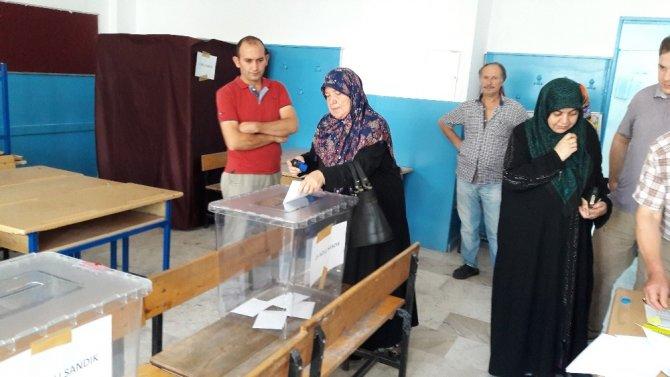 Pazar yerinin taşınmasına vatandaşlar seçim ile karar veriyor