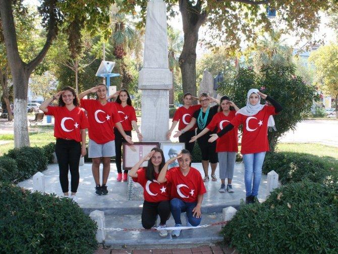 Gençlerden Mudanyalı şehit Şükrü Çavuş'a işaret dilinde klip