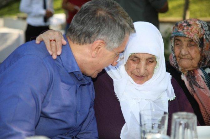 Başkan Yanılmaz, huzurevi sakinleriyle bir araya geldi