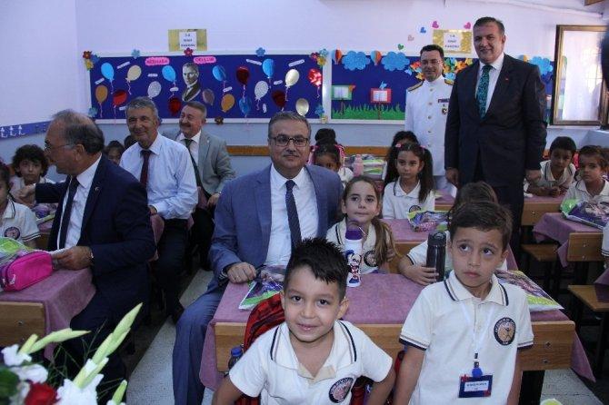 Mersin'de yeni eğitim-öğretim yılı törenle başladı
