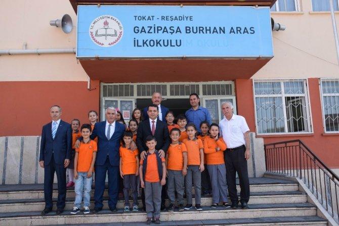 Reşadiye'de 3 bin 295 öğrenci ders başı yaptı