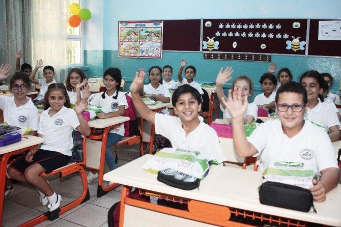 Adana'da 463 bin 484 öğrenci ders başı yaptı