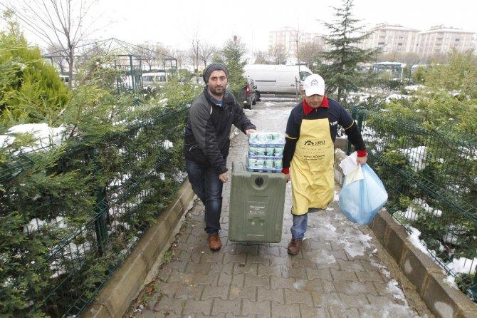 Gebze Belediyesi vatandaşları acı günlerinde yalnız bırakmıyor